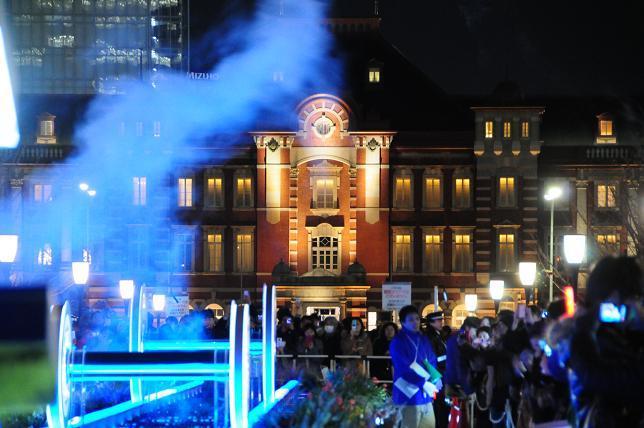 10東京駅イルミ.jpg