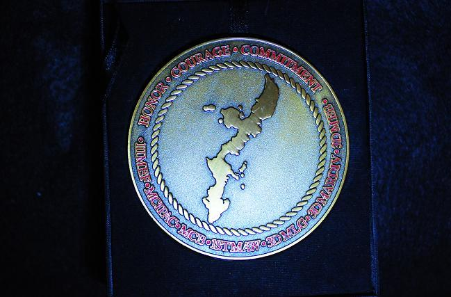 12 USMCメダル.jpg
