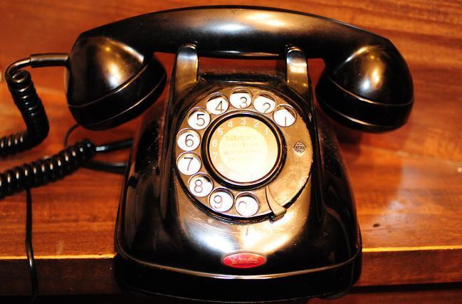 14 4号電話機.jpg