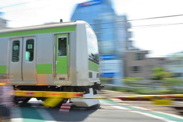 2019.05.19山手線踏切 blog用.jpg